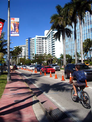 Miami Yacht and Brokerage Show light pole banners